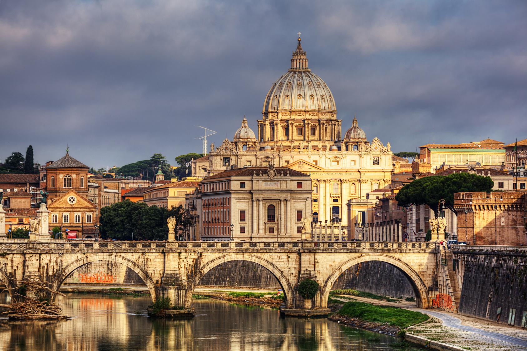 http://viajesalamedida.es/wp-content/uploads/2012/09/FOTO-BANNER-ROMA.jpg