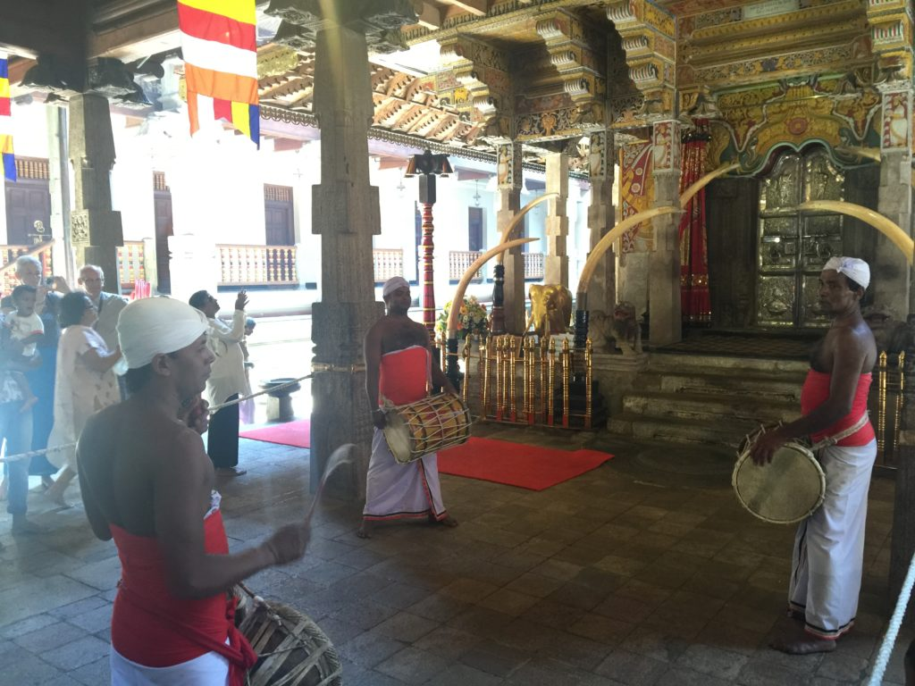 kandy-templo-del-diente